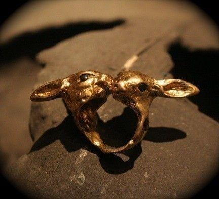 Kissing Bunnies Ring