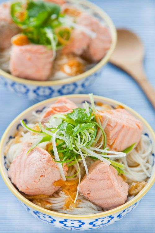 Salmon rice noodle soup, incredibly easy: spring onions, ginger ...