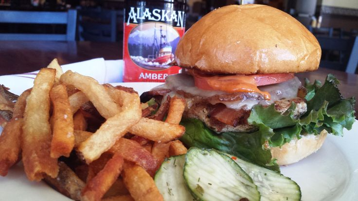 Special: Turkey Burger with Lettuce, tomato, white cheddar, bacon ...