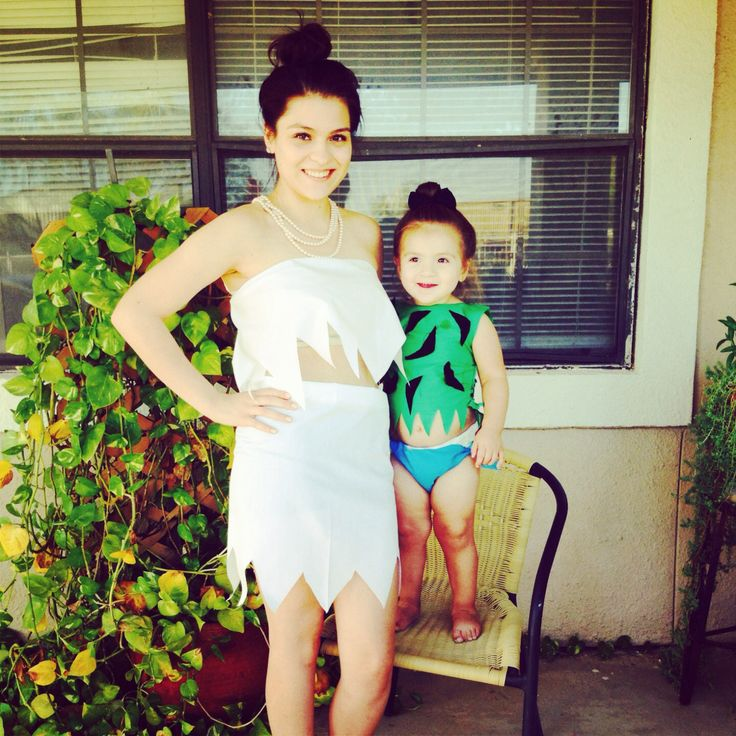 Mother and daughter halloween costumes Double buns, White scarves - mom halloween costume ideas
