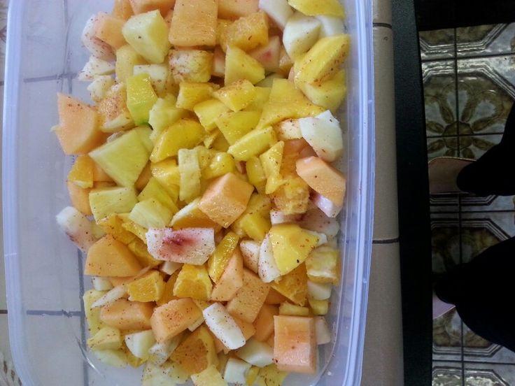 Mango,pineapple,apple,peaches,oranges,papya:fruit salad with lemon ...