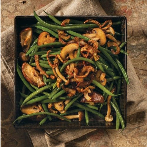 green beans with crispy shallots and mushrooms