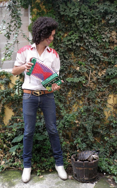 Mexican Street Style: Accordion to me