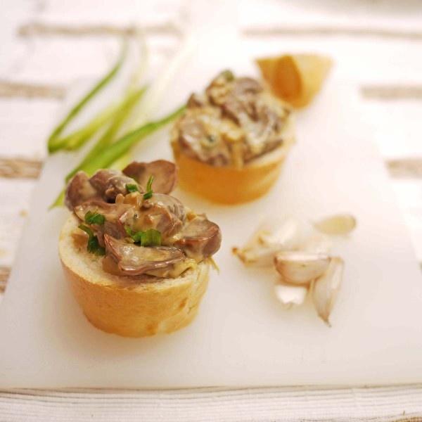 Baguette and Mushroom Crostini | a p p e t i z e | Pinterest