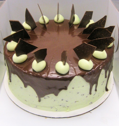 Mint Chocolate Chip Cake | Dessert Cakes | Pinterest