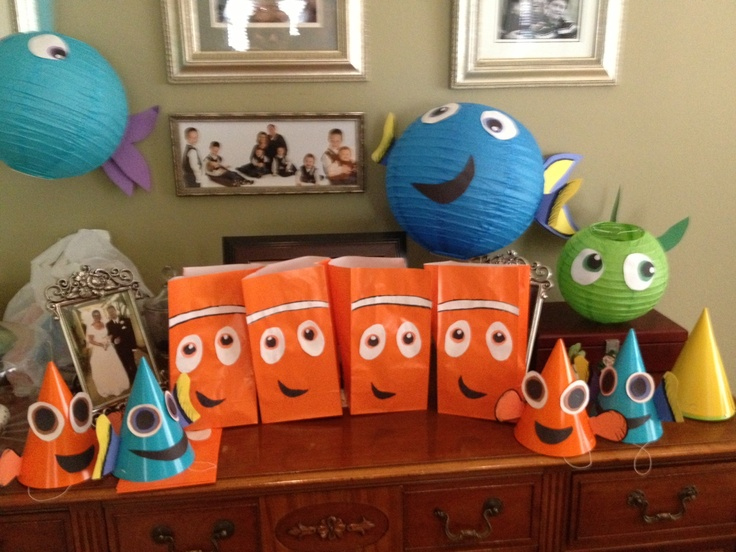 Finding nemo party cake ideas and designs for Nemo decorations