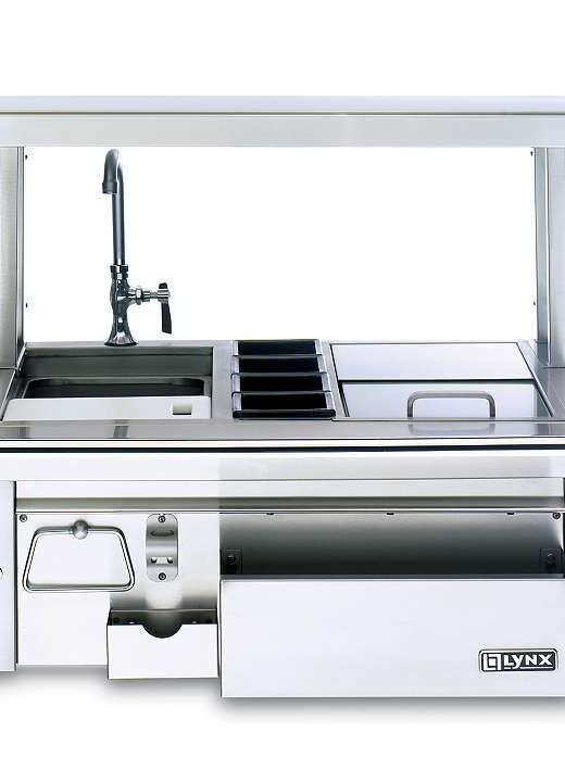 The  Lynx Outdoor Built-in Cocktail Station enables you to prepare cold and delicious drinks for your guests this summer while entertaining.