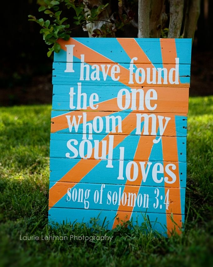 Perfect at a wedding...painted on a pallet.