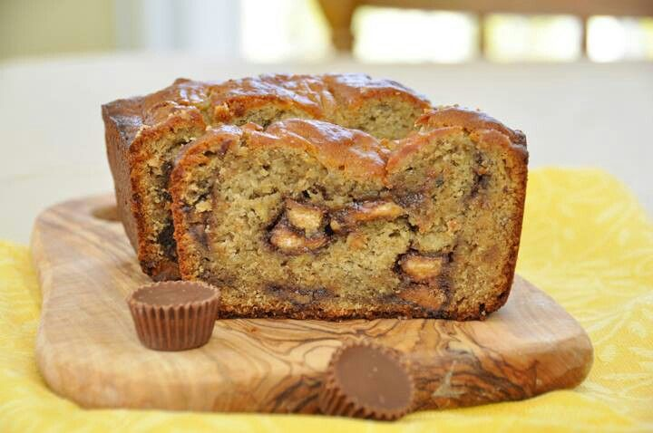 Peanut butter cup banana bread | Yummy! | Pinterest