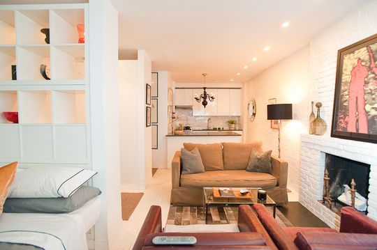 NYC 400 sq. foot studio apartment with a creative layout for the space.