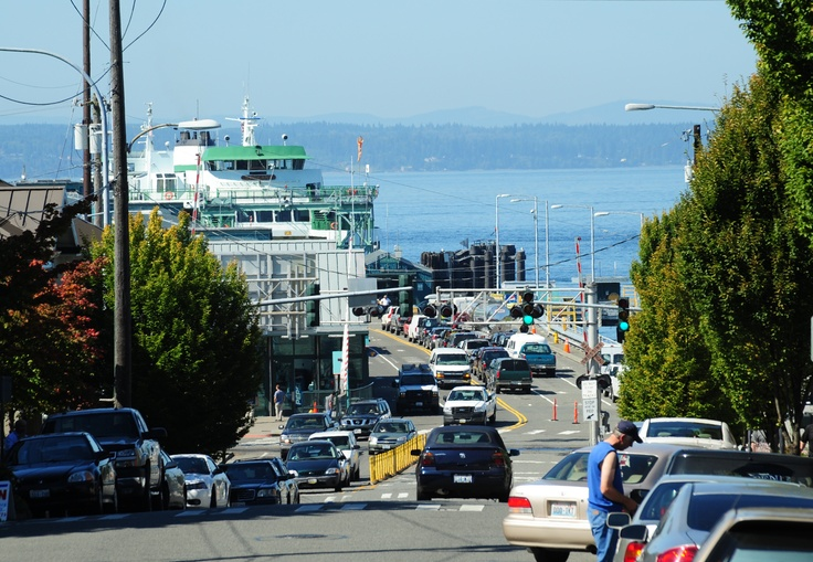 Edmonds is a vibrant city located just 15 miles north of Seattle An active arts and cultural community.