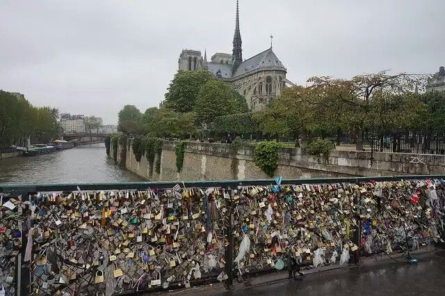The bridge of locks in paris france wanderlust pinterest for Locks on the bridge in paris
