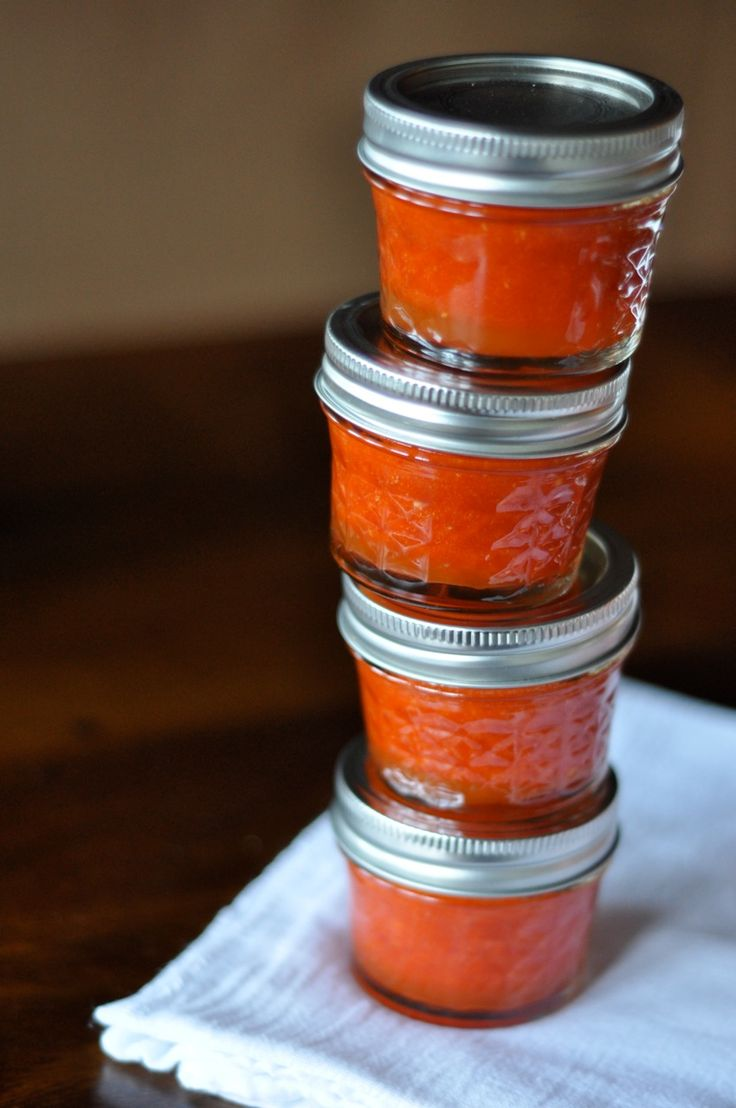 Homemade Sriracha | HOT PEPPERS | Pinterest
