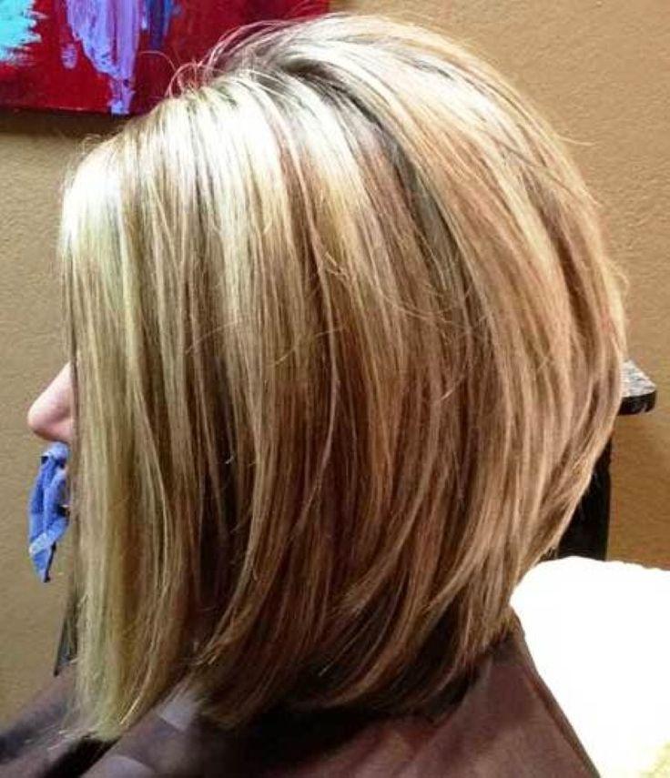 Стрижки каре на средние волосы с косой челкой