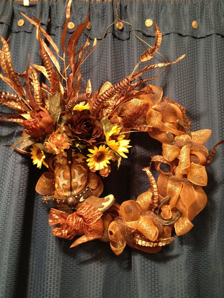 Western boot wreath w/ mesh!