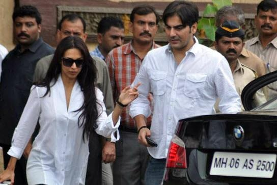 #Arbaaz #Khan and #Malaika #Arora #Khan at #Rajesh #Khanna funeral