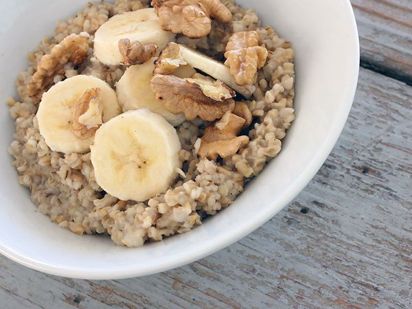 Steel Cut Oats with Bananas and Walnuts | Low GI Recipes | Pinterest