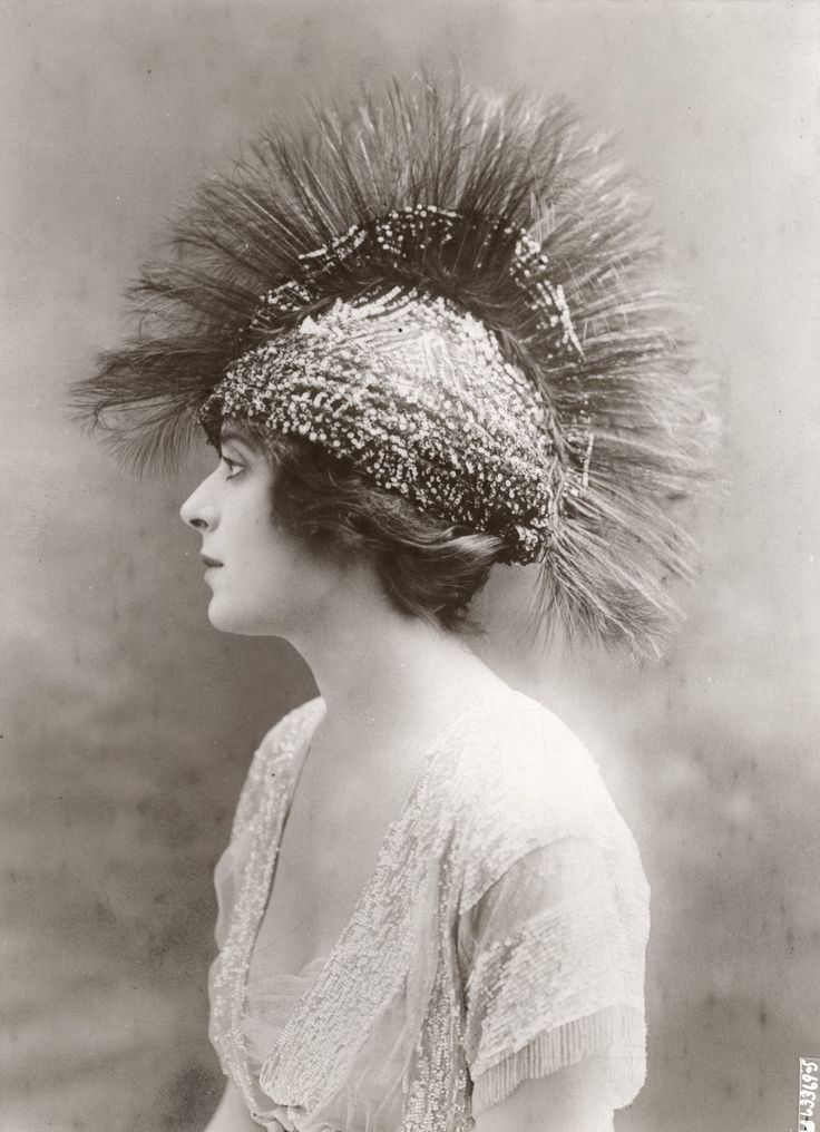 Evening spring hat by Virot, Paris - Underwood and Underwood Photographic Collection (University of Kentucky)