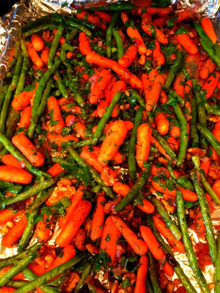 Roasted walnuts, carrots, green beans with Allspice, Cilantro, Lemon ...