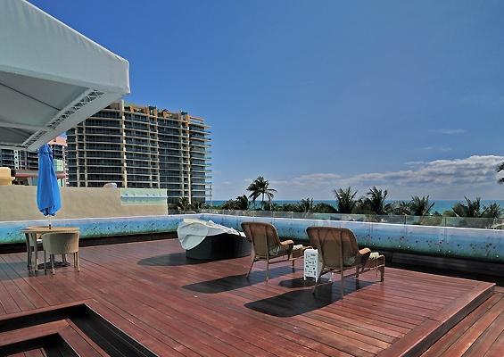 Penguin Hotel Miami