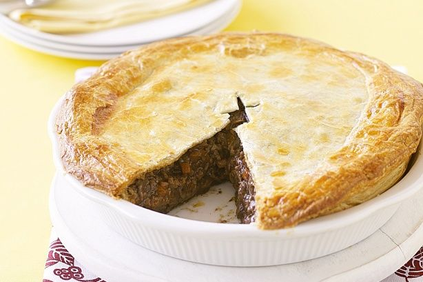 Family mince pie | Savoury NommyNoms | Pinterest