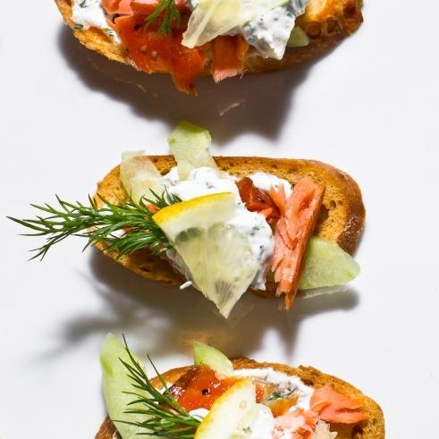 Smoked Salmon Crostini | Delicioso | Pinterest