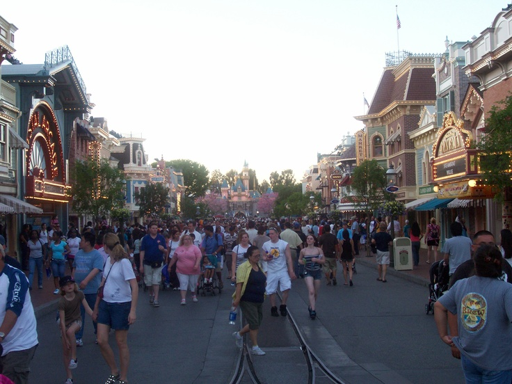 Main St. USA at Disneyland. | Crowded streets in Amazing Cities! | Pi ...