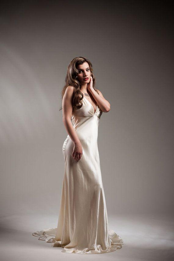 Old hollywood glamour dress alternative wedding dress for Old hollywood wedding dress