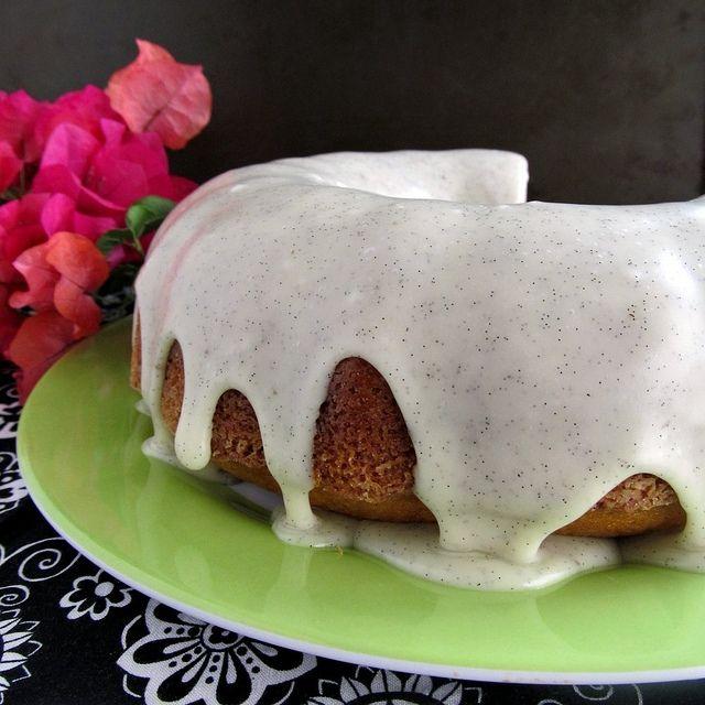 Vanilla Bean Bundt Cake | Bundt Cakes | Pinterest