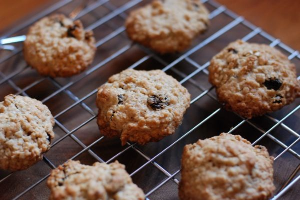 Thick, Chewy Oatmeal Raisin Cookies (cook's illustrated)