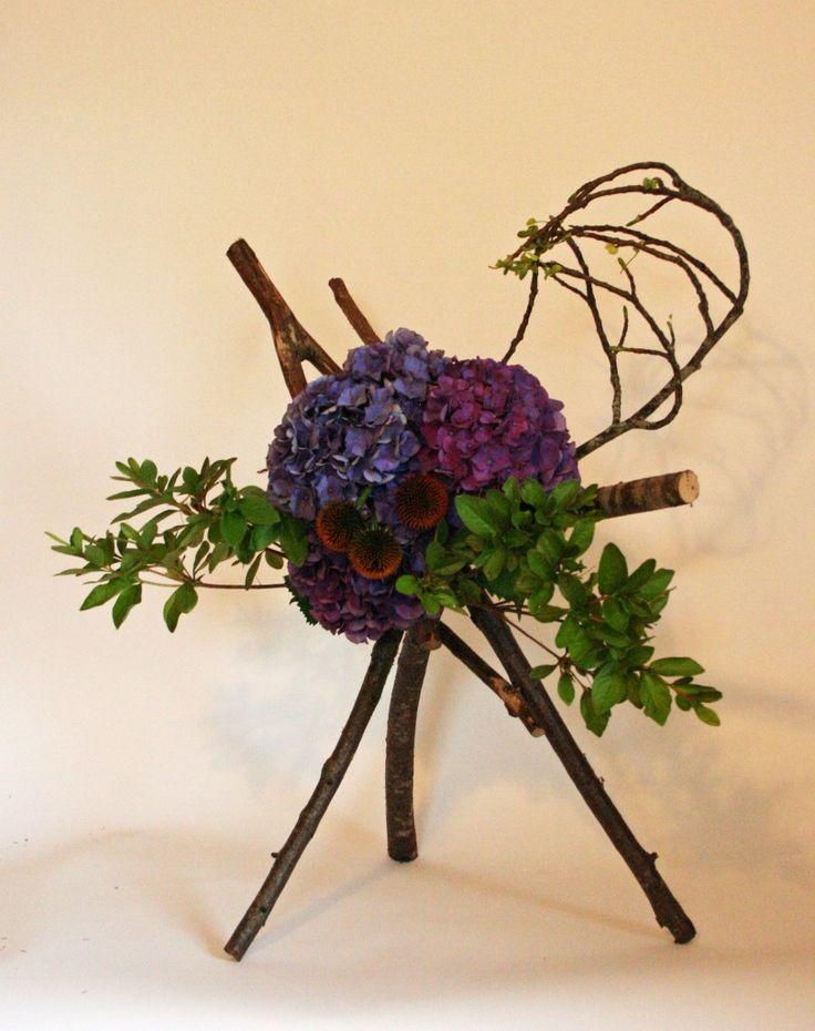 Wood branches hydrangea floral arrangements pinterest for Floral arrangements with branches