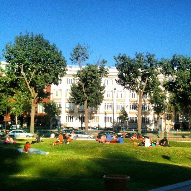 Jardin villemin picnic spot paris pinterest for Jardin villemin