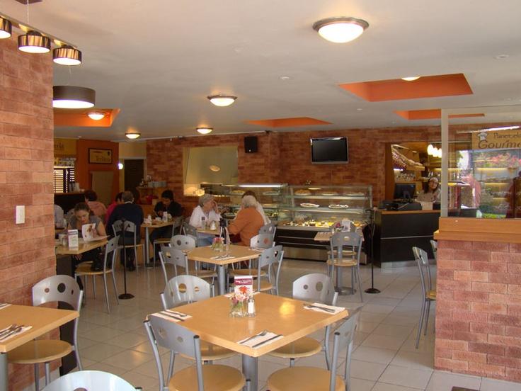 Pin by moblibar muebles para restaurantes bares - Muebles para cafeterias ...