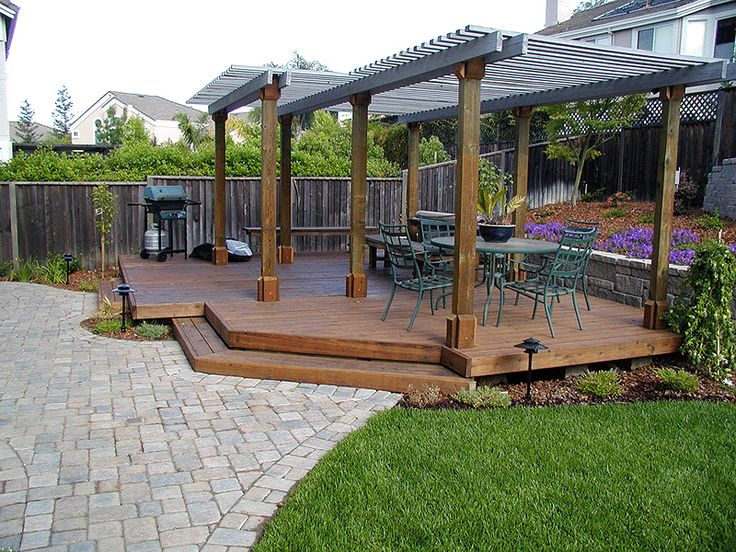 Low backyard 800 600 pixels outdoor ideas for Low deck designs