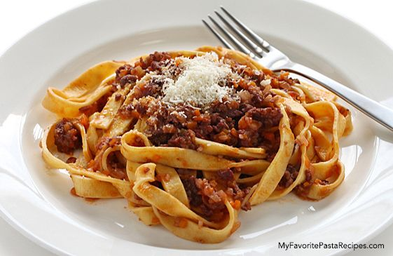 Recipe: Fettuccini with Bolognese Sauce - My Favorite Pasta Recipes