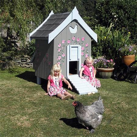 Beautiful hen house | Chicken Shacks | Pinterest: pinterest.com/pin/532621093402249642