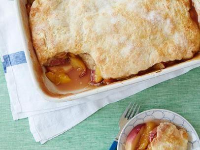What's Baking? The Neelys' Peach Cobbler! #Seasonal #Baking #PeachCobbler