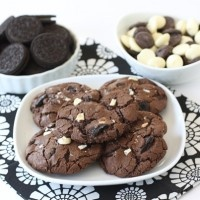 triple-chocolate-Oreo-chunk-cookies7 | Cookie Recipes | Pinterest