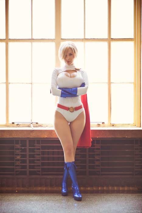 Crystal Graziano cosplays Power Girl