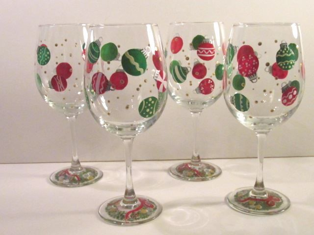 Christmas wine glasses craft pinterest for Holiday wine glass crafts