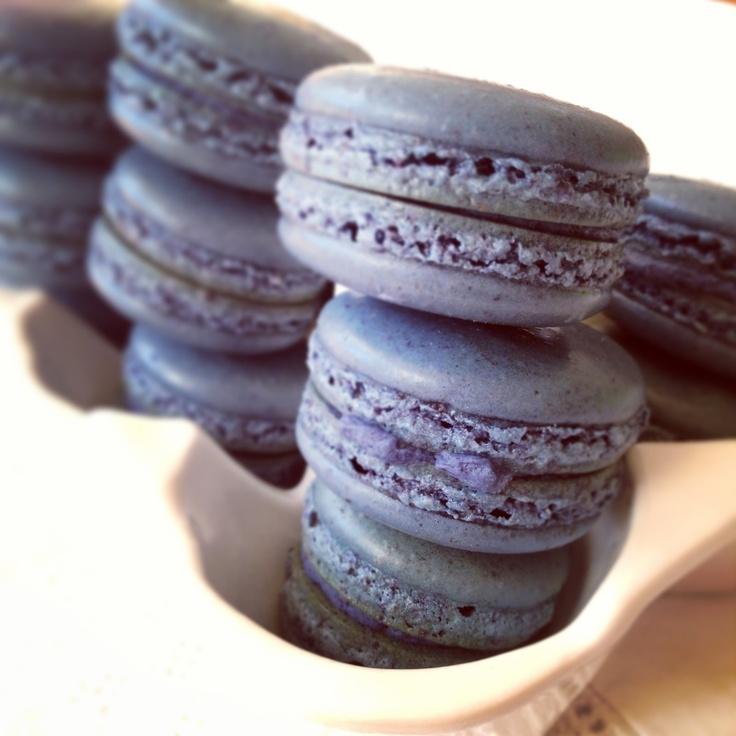 Blackberry Macarons | Foodie Heaven | Pinterest