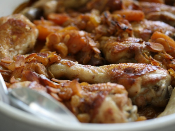 ... Amory's delicious tagine chicken with almonds and apricot sauce