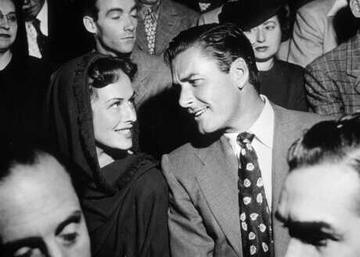 Paulette Goddard & Errol Flynn