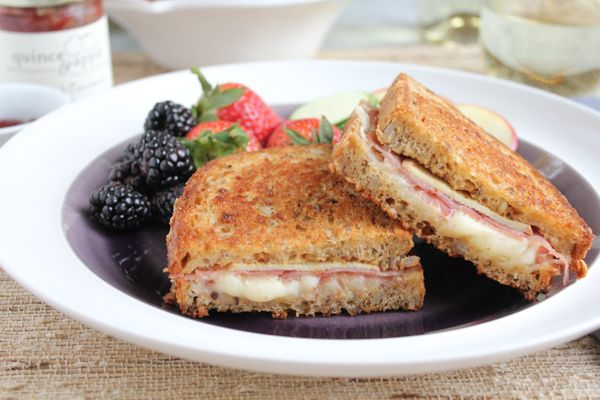 Apple, Prosciutto and Gruyere Grilled Cheese_main | HipFoodieMom.com