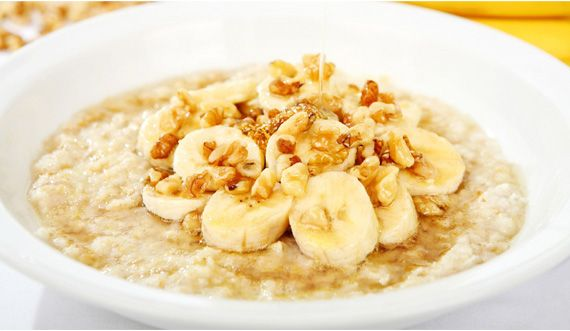 Ask The Macro Manager: How Do I Eat To Maximize Athletic Performance? - Banana Walnut Oatmeal - Bodybuilding.com