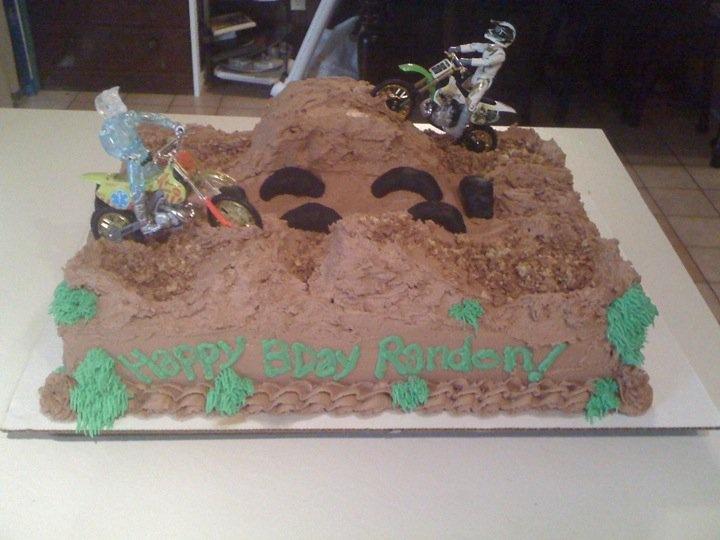 Cake Decorating Dirt Bike Track : Dirt bike Cake! Cake decorating ideas Pinterest