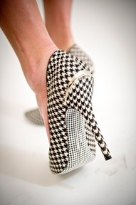 freaking love houndstooth everything