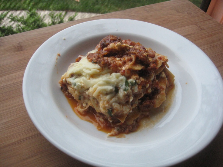 italian sausage & lamb lasagna with mozzarella and cottage cheese