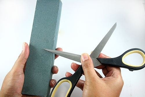 How to Sharpen Scissors: 6 Methods - wikiHow