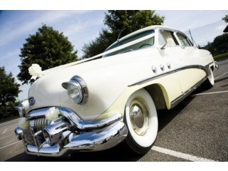 Wow... American 50s wedding car hire in Essex